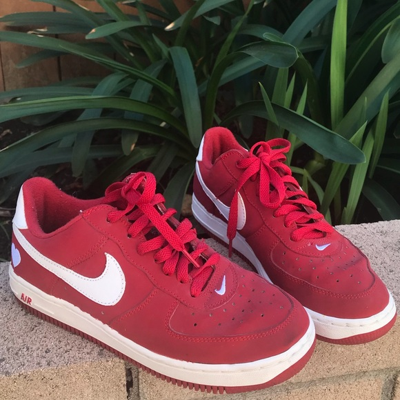 new arrival 7a63e 3dc55 Nike Shoes - 2002 Valentine s Day Red Nikes ❣️